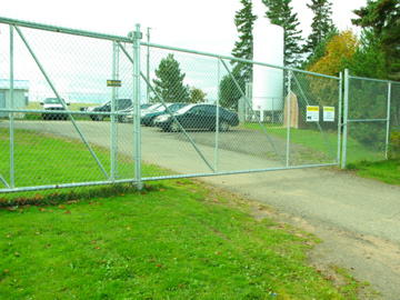 Entry-way-to-AquaBounty-building-PEI_large