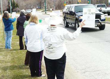 Info-Picket-in-Barrie-Ontario_large