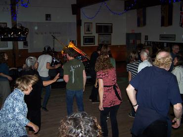 People-dance-to-Shane-Philip-s-awesome-music_large