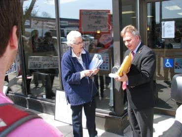 Presenting-1007-signatures-to-MP-Frank-Valeriote_large