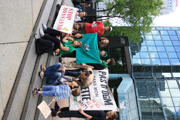 Solidarity-action-gathering-outside-the-Haitian-Consulate-in-Montreal-June-4_large