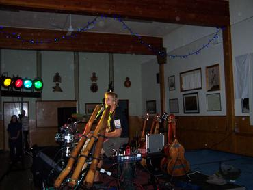Musician-Shane-Philip-plays-in-Courtenay-benefit-for-CBAN-Sept-30_large